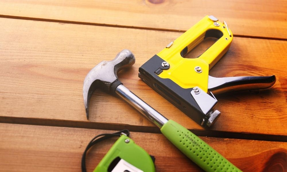 Reasons Why You Need a Staple Gun on Your Farm