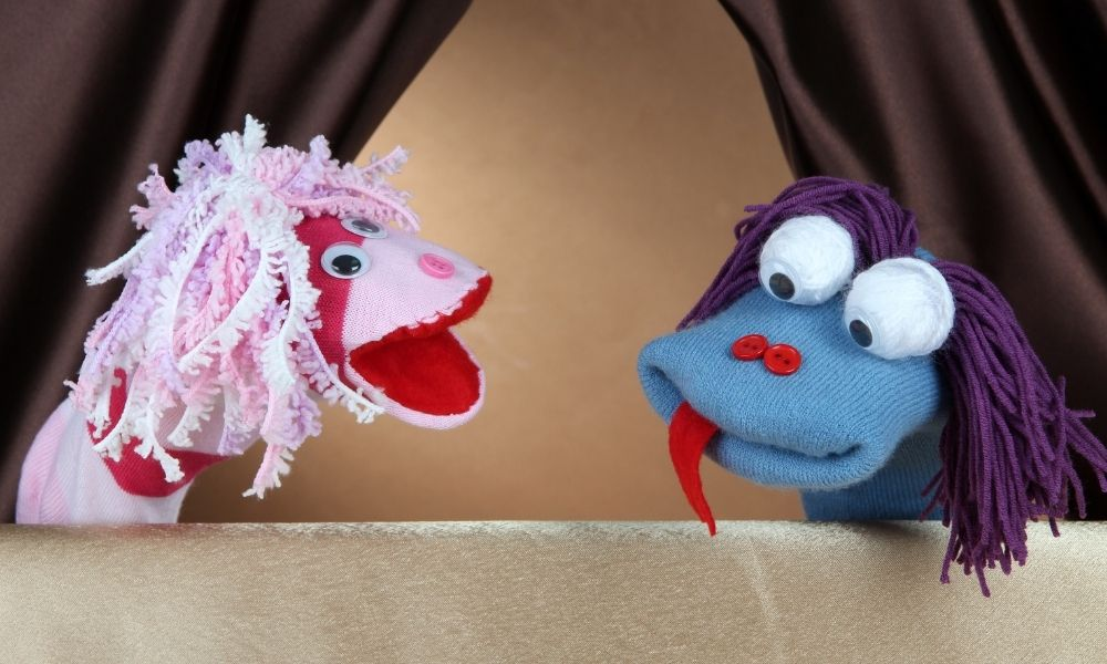 How To Build a Puppet Theatre for Your Kids